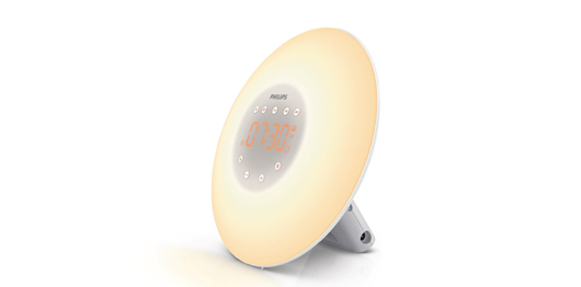 Har du svårt att motstå snooze-kappen på mornarna? Då är Philips Wake-up Light det bästa sätter att vakna på!