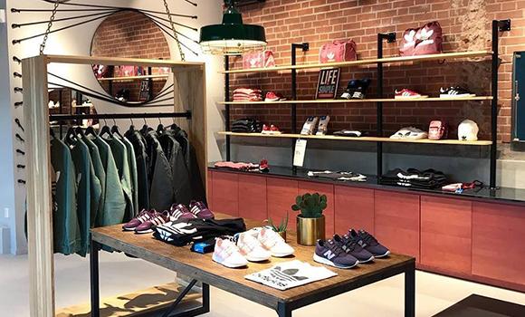 Sneakers & Apparel